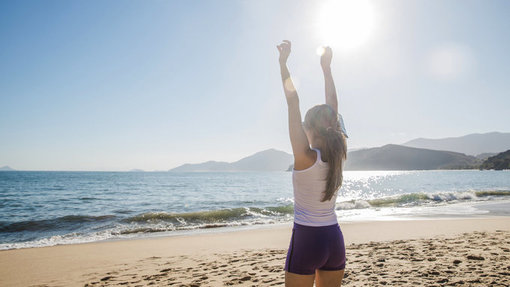 mindfulness_vrouw op strand