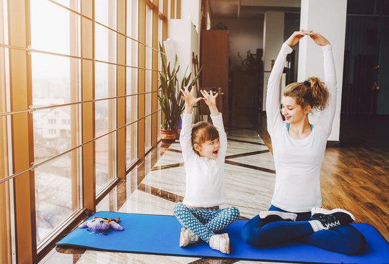 moeder en dochter sporten